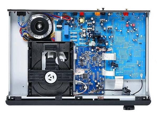 NAD-C-568-CD-Player-copy2.jpg