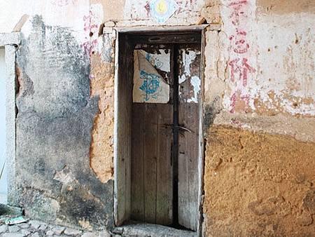 未上鎖的門