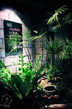 低調的入口,充滿綠意
