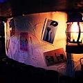 富有藝術感的牆面,是客人繪製的米漿