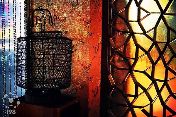 精緻的古典燈罩