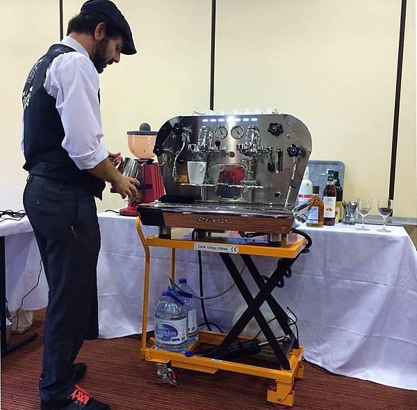 Nir Chouchana呈現的基礎咖啡知識和與調酒的結合