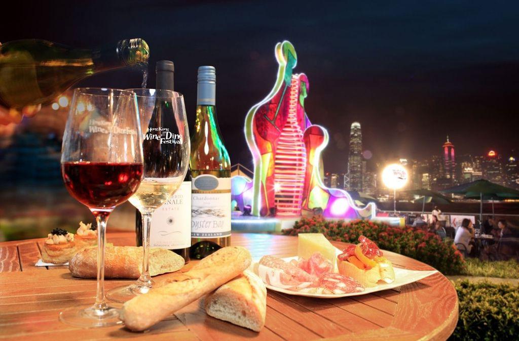 秋日晚風輕拂,伴隨世界級美酒佳餚,許你一個美好的夜晚