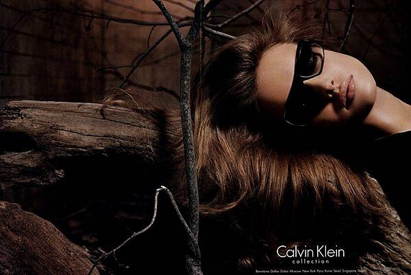CalvinKleinAD-FallWinter2004-04-phStevenMeisel[1]
