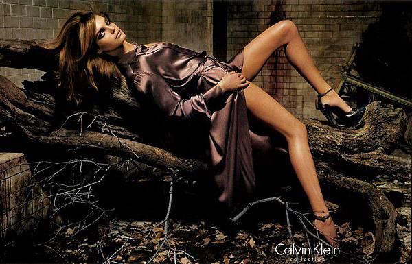 CalvinKleinAD-FallWinter2004-08-phStevenMeisel