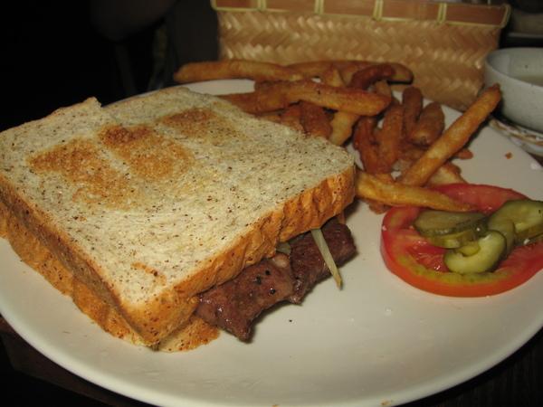 小玉點的夏威夷牛肉三明治