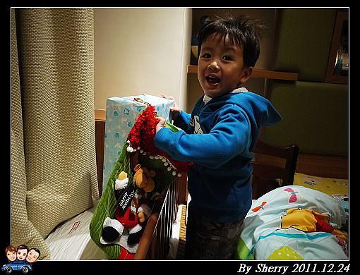 20111224_第一次的聖誕禮物003.jpg