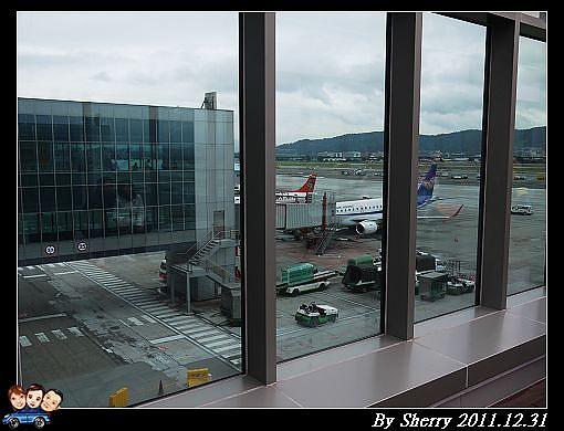 20111231_松山機場看飛機0026.jpg