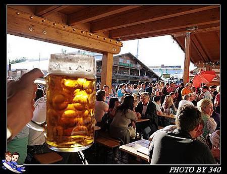 02_20121003_stuttgart啤酒節021