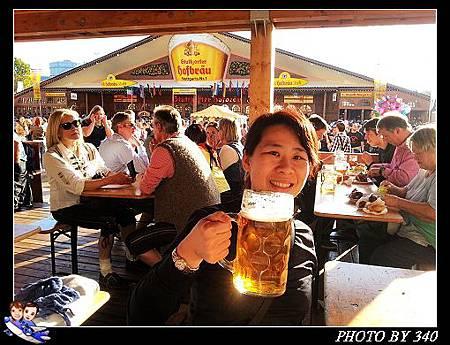 02_20121003_stuttgart啤酒節027