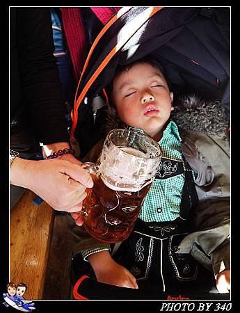 02_20121003_stuttgart啤酒節030
