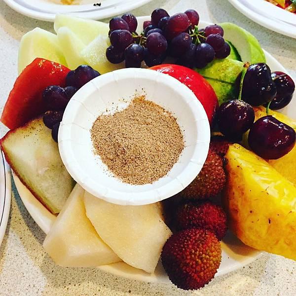 [羅東]富哥活海產-最厲害的就是飯後水果超級豐盛