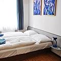 Happy Hostelroom.JPG