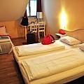 Hotel Ederroom.JPG