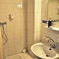 Hotel.Wittelsbachbathroom.JPG
