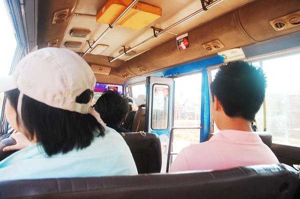 全自動化的公車門.JPG