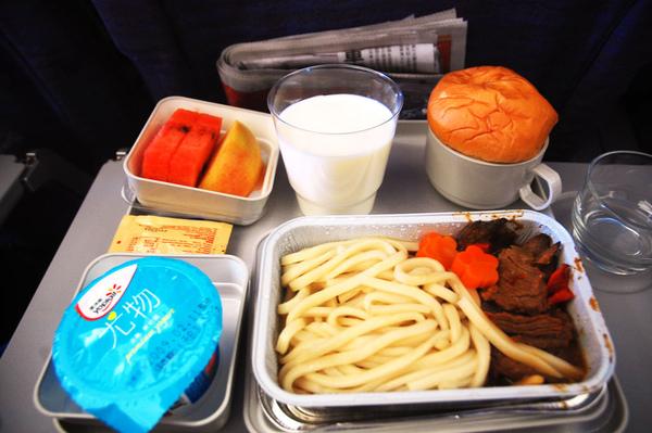 第一餐.JPG