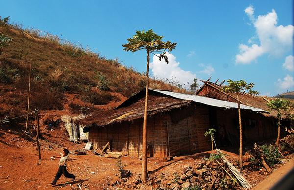 前往龍坡邦沿途景色