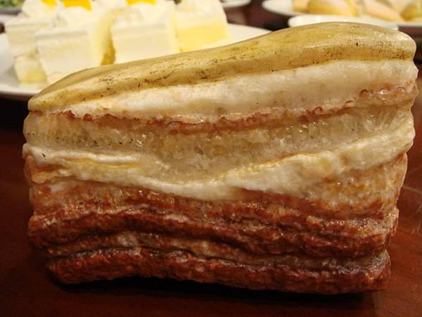 豬肉的石頭,不是真的豬肉啦0.0