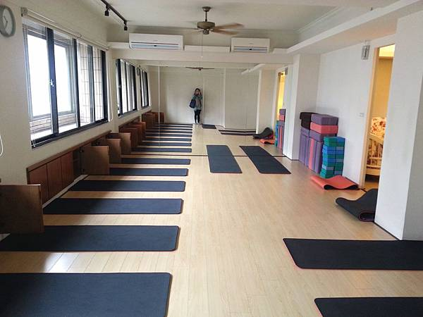 hui yoga 1.jpg