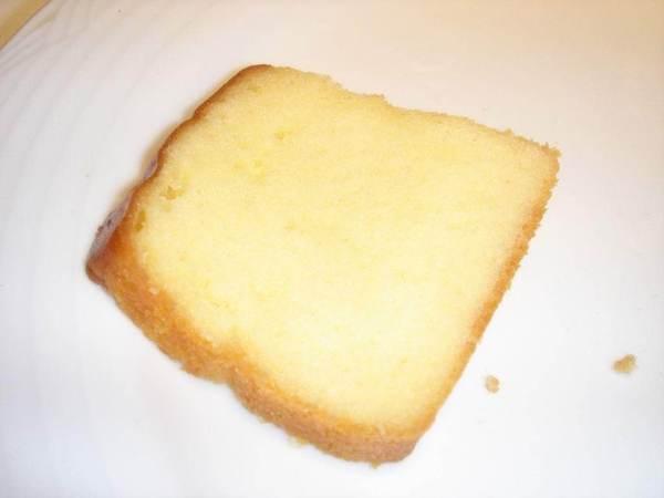 黃沙帶來爆好吃的酒釀蛋糕 瞬間只剩下一片!!! 就甘心!!