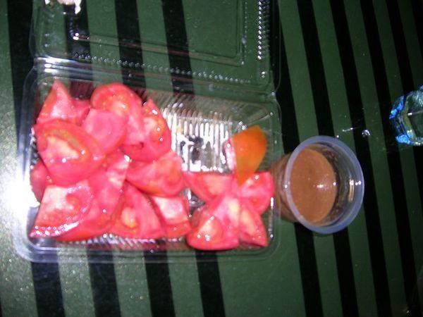 蕃茄。特別在它的醬,沒吃過,很特別。