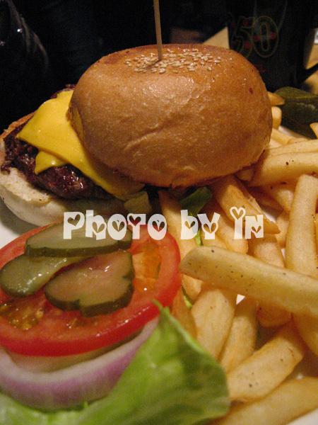 The Diner_起士漢堡.JPG