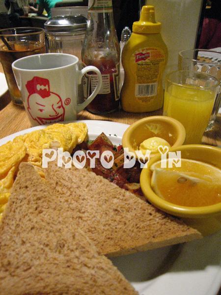 The Diner_蛋捲.JPG