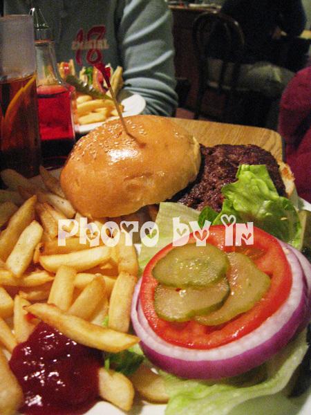 The Diner_樂子漢堡.JPG