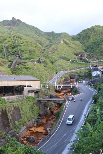 煤礦之城金色河流