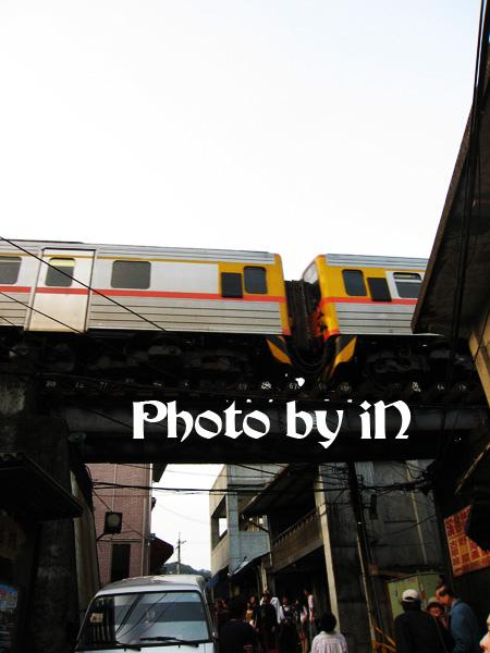 平溪_衝火車3.JPG