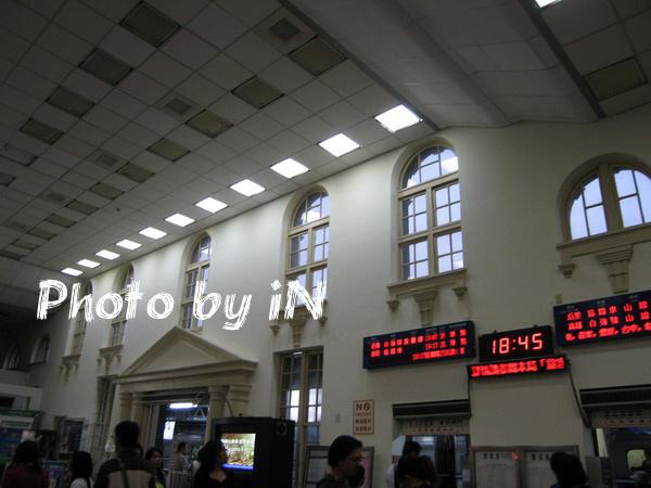 新竹火車站內部.JPG