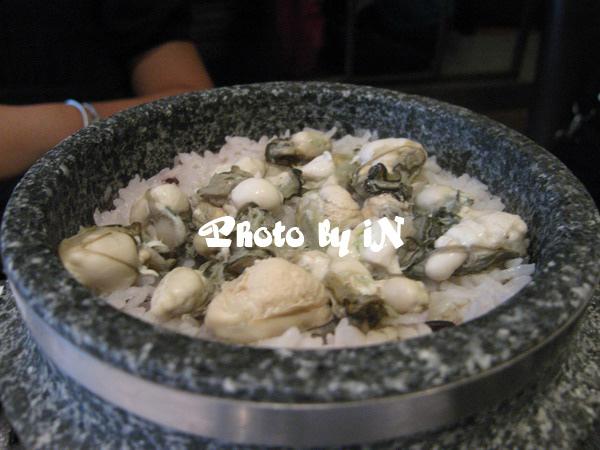 涓豆腐_鮮蚵石鍋飯.JPG