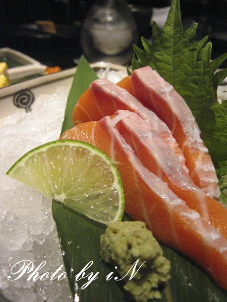 三井吃飽飽_ 鮭魚刺身.JPG