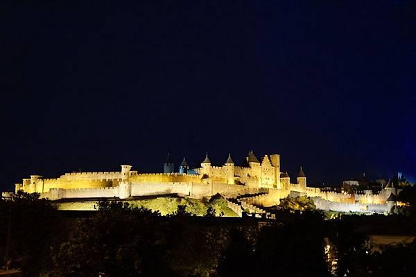 卡爾卡頌古城堡夜景