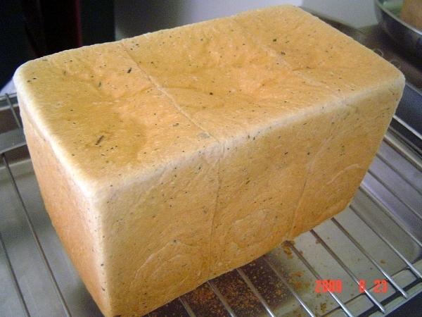 低溫液種茉香綠茶土司-3
