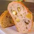 菠菜地瓜麵包(切面1)