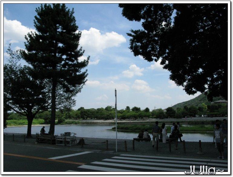 (嵐山)渡月橋,商店街。.jpg