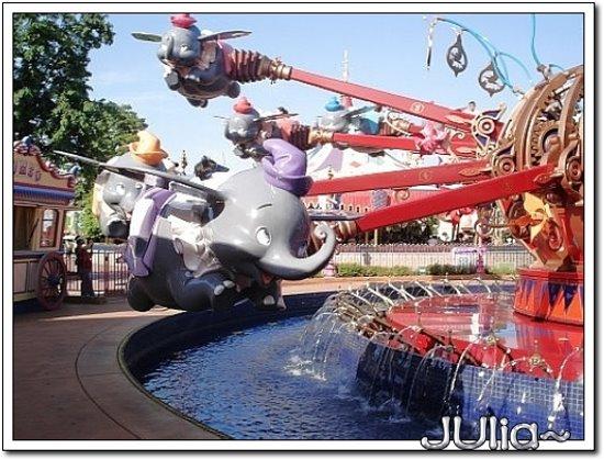 (香港)迪士尼樂園 (19).jpg