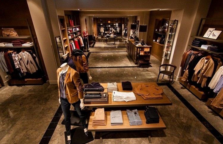Massimo Dutti 101店內