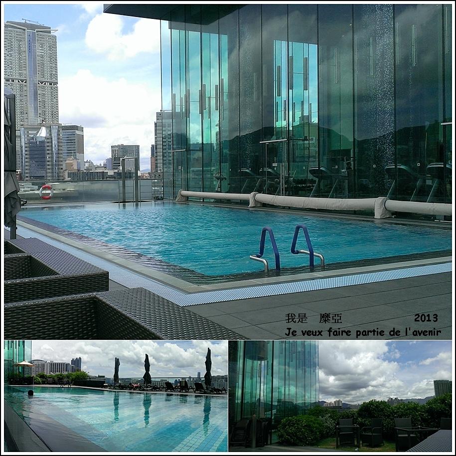 游泳池的玻璃帷幕好美呀!!!!!