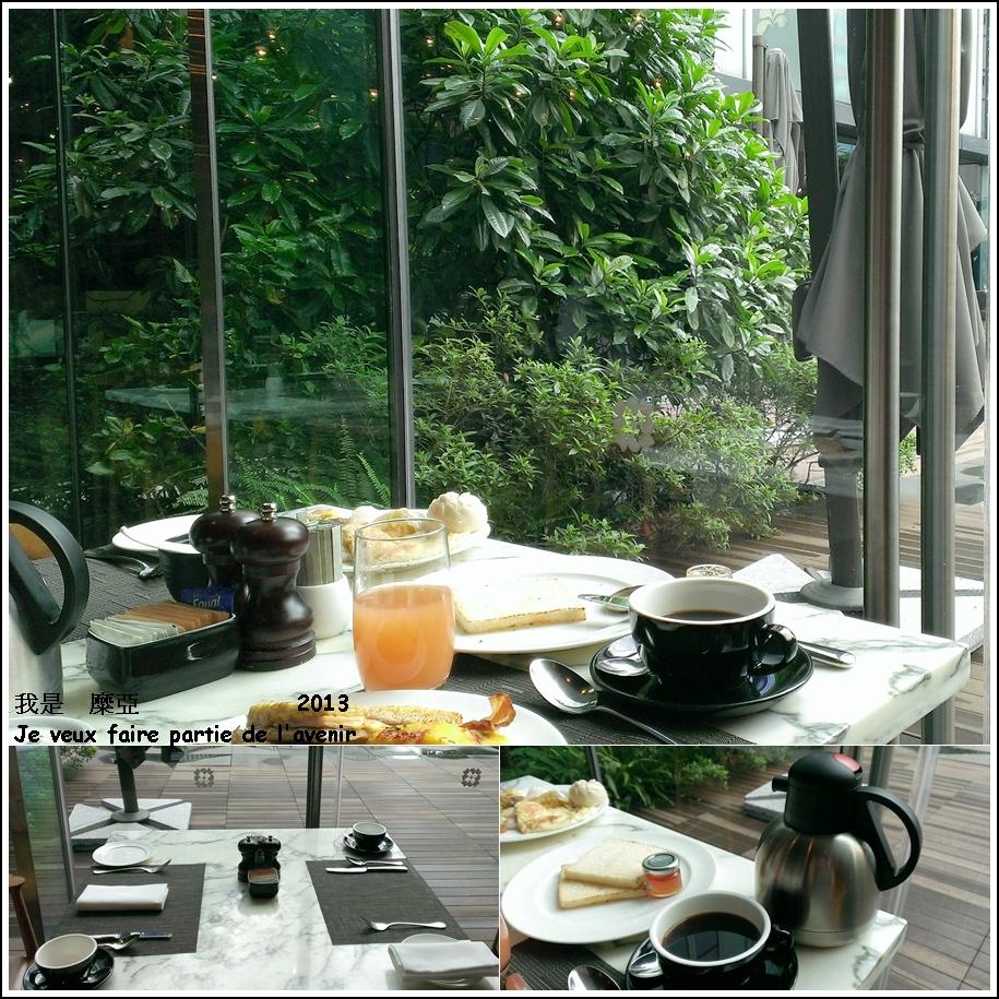 窗外是一片綠意   咖啡壺是每桌一壺唷 !  超大器 ! !
