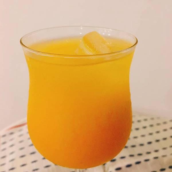 0913中秋節的百香果汁.jpg