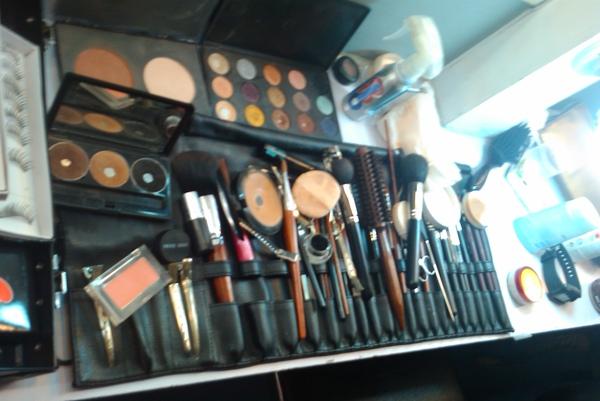 我喜歡看到化妝師整齊的刷具