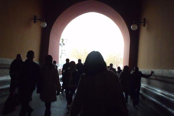 好像進入時光隧道