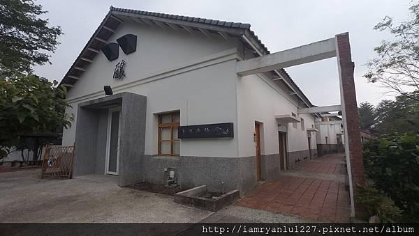 7-白色建築-3.JPG