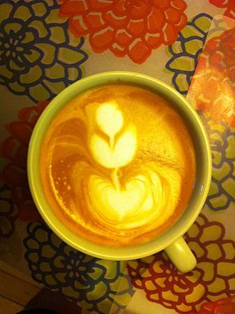 Latte art - Tulip.JPG
