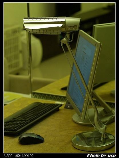 桌燈01.jpg