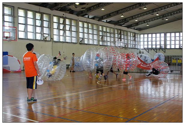 瘋狂泡泡足球-09.jpg