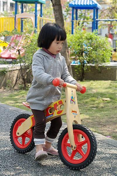 小羽球-0124小羽騎PushBike.jpg